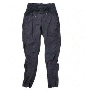 Lululemon 3/4 sweatpants fitted